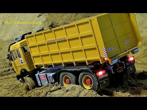 STUNNING RC TRUCKS, EXCAVATOR AND MORE ON A CONSTRUCTION SITE! BIG RC GLASHAUS FUN!