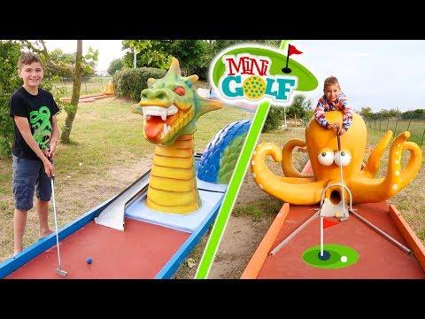 MINI-GOLF CHALLENGE !!! – Mère VS Fils – Parcours thématique : Looping, Requin, Pirate, Dragon…