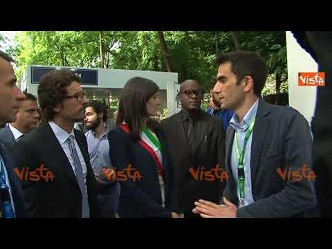 Toninelli, prima uscita pubblica per il neo ministro dei Trasporti  al Salone dell'Auto di Torino