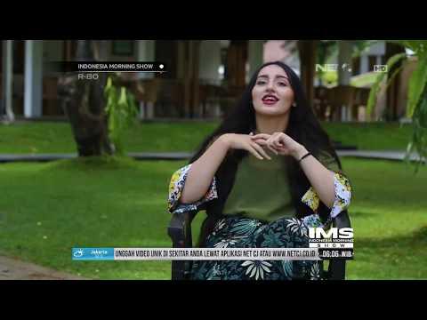 INSANI – Bule Ini Kagum Dan Senang Sekali Dengan Budaya Yang Ada Di Indonesia