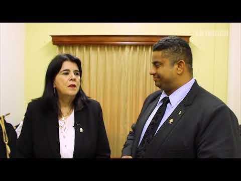 Melvin Núñez pide perdón público a Floria Segreda, ambos del PRN