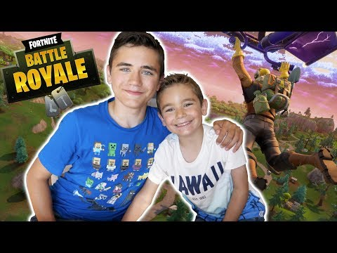 FORTNITE vs SWAN THE VOICE : J'apprends à jouer à mon petit frère – Néo The One