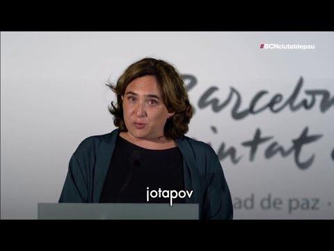 Ada Colau LLORA en su discurso homenaje del 17-A