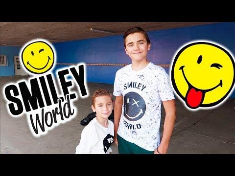ON TOURNE UNE PUB POUR SMILEY WORLD !!!