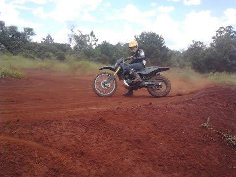 brincando com a stx 200cc motard em campo mourao