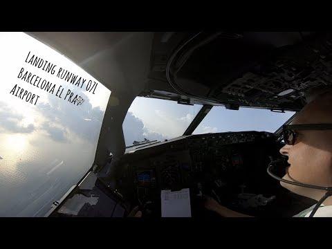 Approach and landing runway 07L Barcelona El Prat Airport (BCN LEBL)