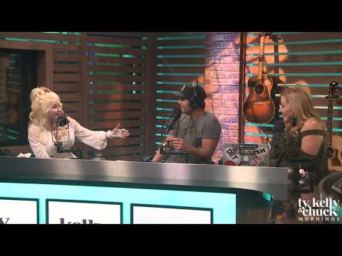 Dolly Parton Has Never Seen Sia's Face, Even After Working with Her – Ty, Kelly & Chuck