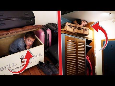 Cache-cache sur 2 étages dans notre chambre d'hôtel !