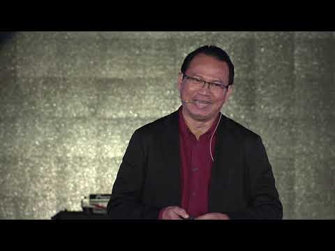Living in the Era 4th Industrial Revolution & IoT   | Dr Mazlan Abbas | TEDxKenyalang
