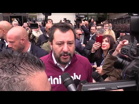 """Flat tax, Salvini: """"È nel contratto di governo, chiediamo sia inserita nel Def"""""""