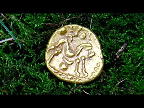 OMG 2000BC GOLD COIN + 800 YEAR OLD SILVER HAMMERED Metal Detecting UK FINDS Dig | 46