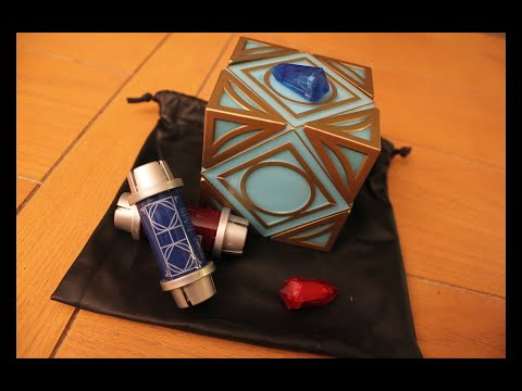 Galaxy's Edge Holocron and Kyber Crystal Review