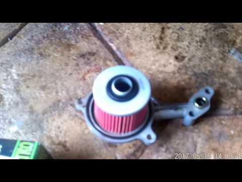 Yamaha Supertenere XTZ 750. Cómo cambiar el aceite del motor y el filtro. Video 8 de??
