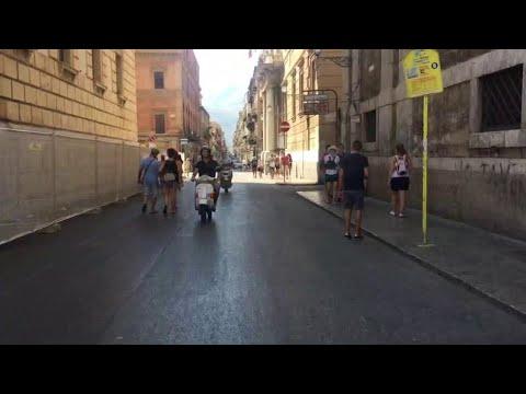 """Palermo, via Maqueda a piedi tra turisti e commercianti: """"Speriamo sia una nuova chance"""""""