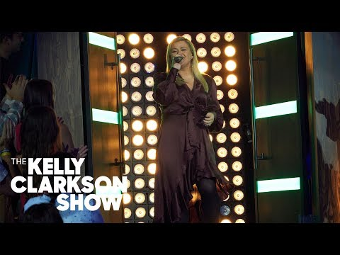 Chandelier (Sia Cover) | Kellyoke | The Kelly Clarkson Show