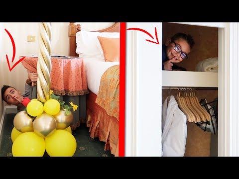 Cache-cache dans une Chambre d'Hôtel GÉANTE au Disneyland Hôtel