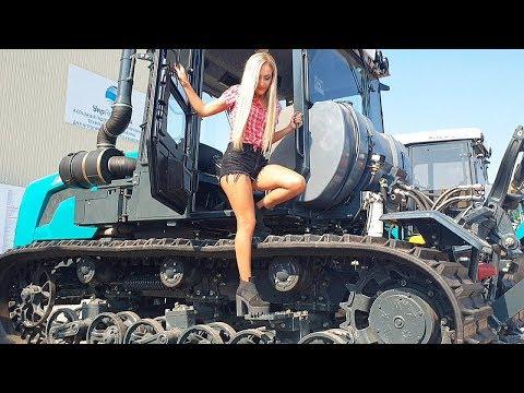 Pretty Girl Caterpillar Tractor Driver Crawler Harvester Modern Farming Agriculture Machines XTZ-181