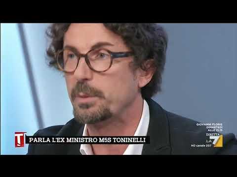 """L'affondo di Danilo Toninelli: """"Non mi stupisce che Renzi sia contro l'abolizione della …"""